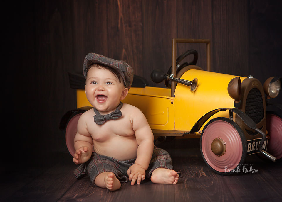 Baby photographs in Rugeley, Staffordshire – Hughie 9 months