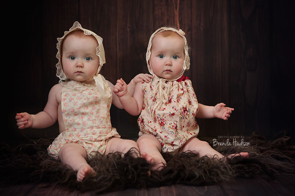 Baby and wedding photographer in Rugeley, Staffordshire – Dottie and Isla