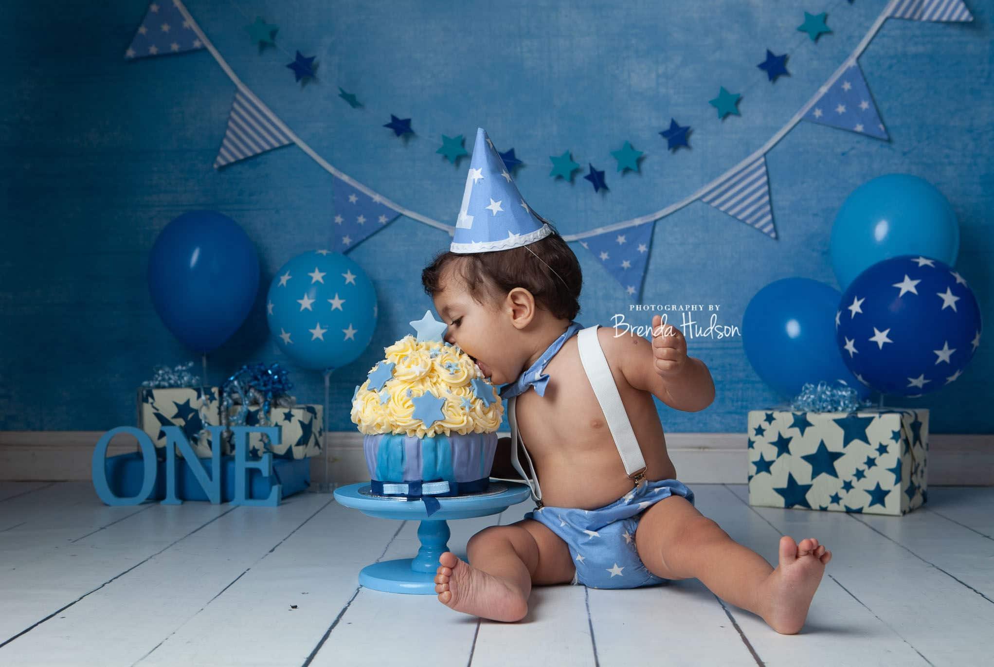 baby and newborn photographer
